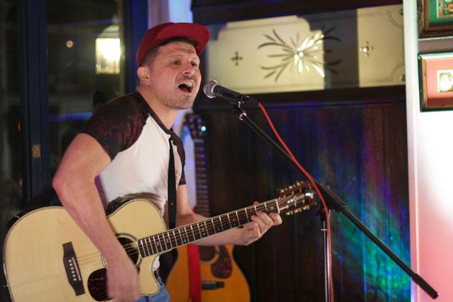 marco-raes-singer-songwriter
